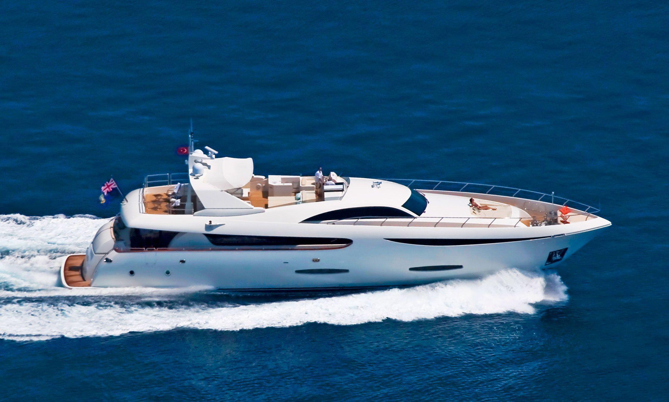 yacht in dubai main