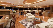 Motoryacht charter dubai